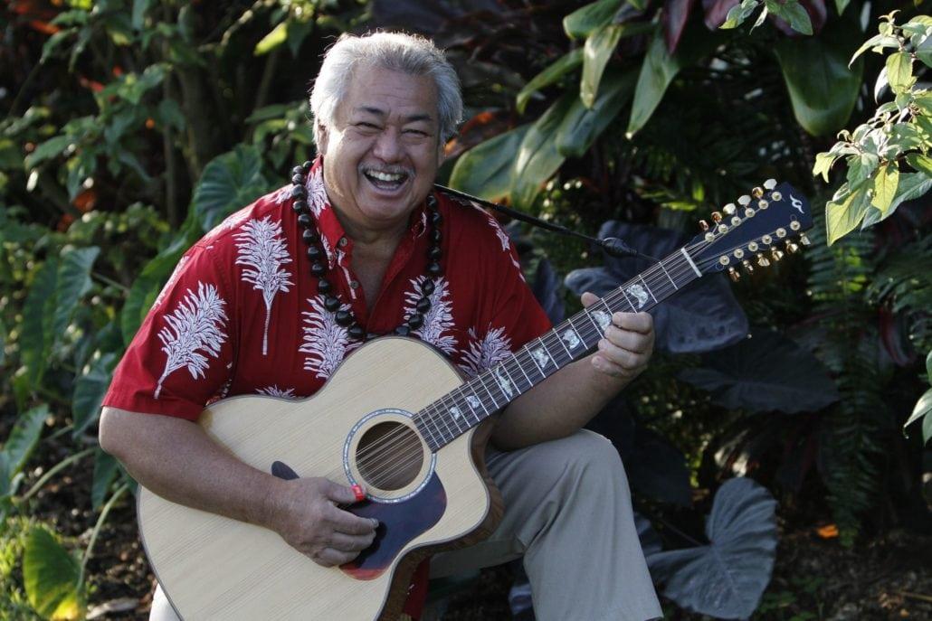 George Kahumoku Paia Maui Island Fresh Cafe live music dinner show